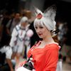 AX2010_0857